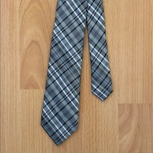 Calvin Klein gray patterned check tie